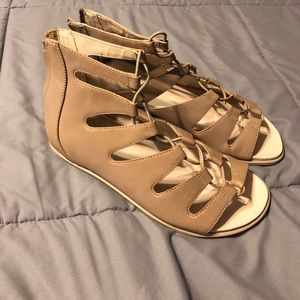 Kenneth Cole sandals size 7